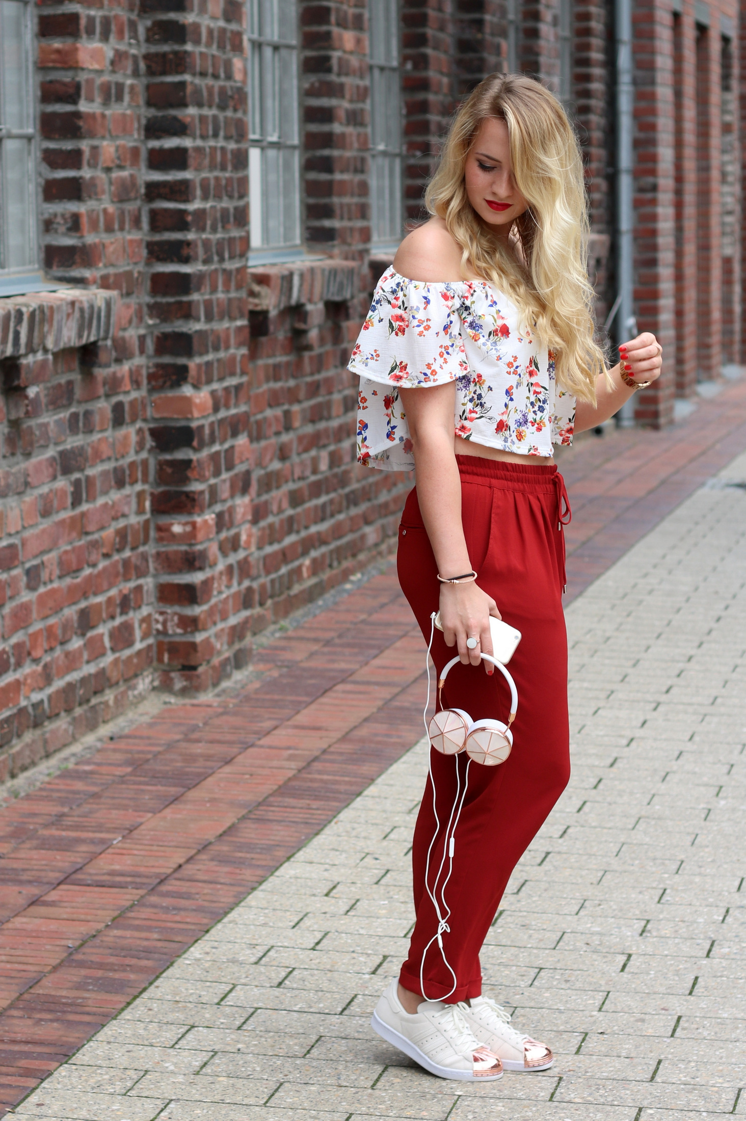 frends-headphones-kopfhörer-audio-musik-music-outfit-summer-early-look-zara-mrsbrightside (1)