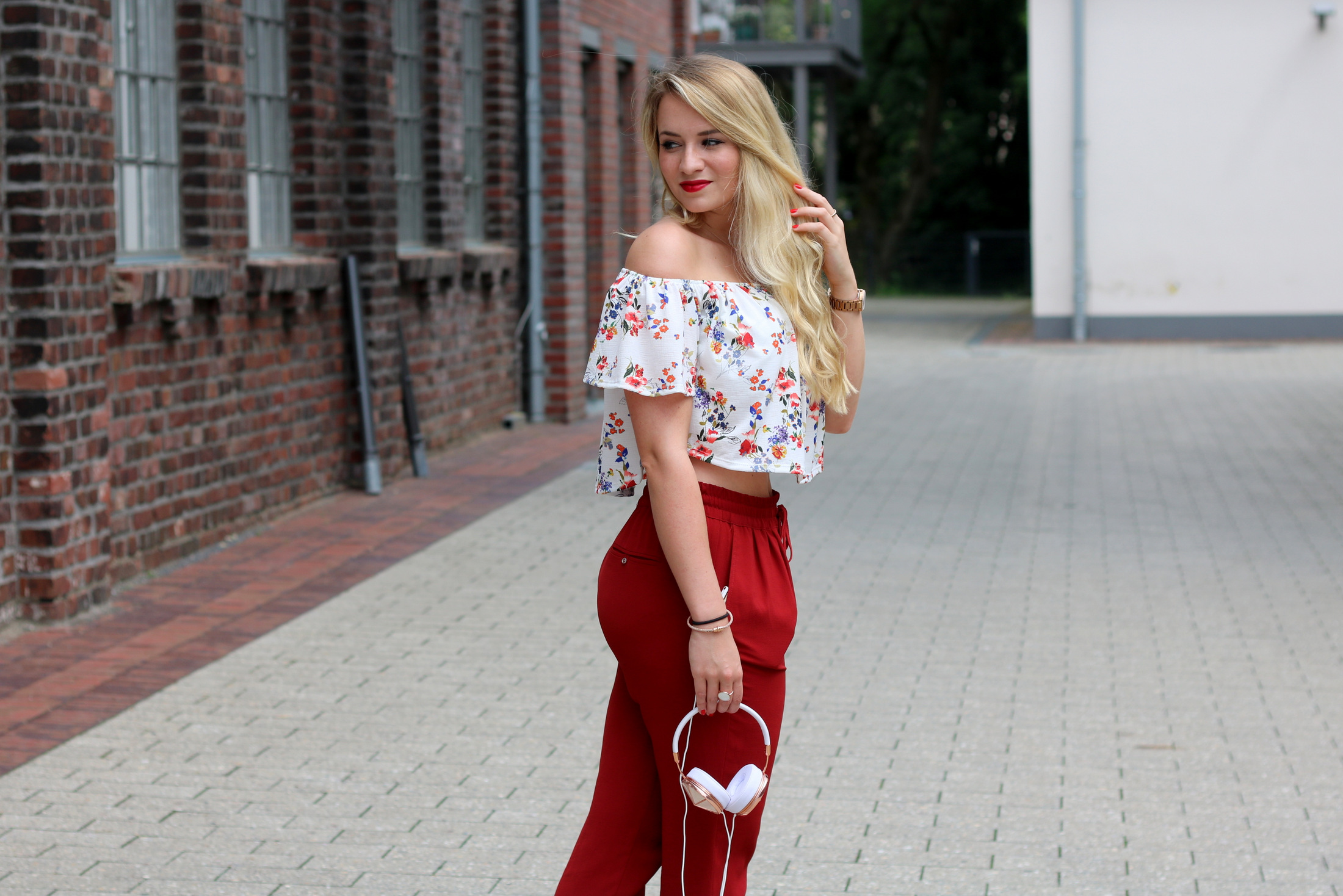 frends-headphones-kopfhörer-audio-musik-music-outfit-summer-early-look-zara-mrsbrightside (4)