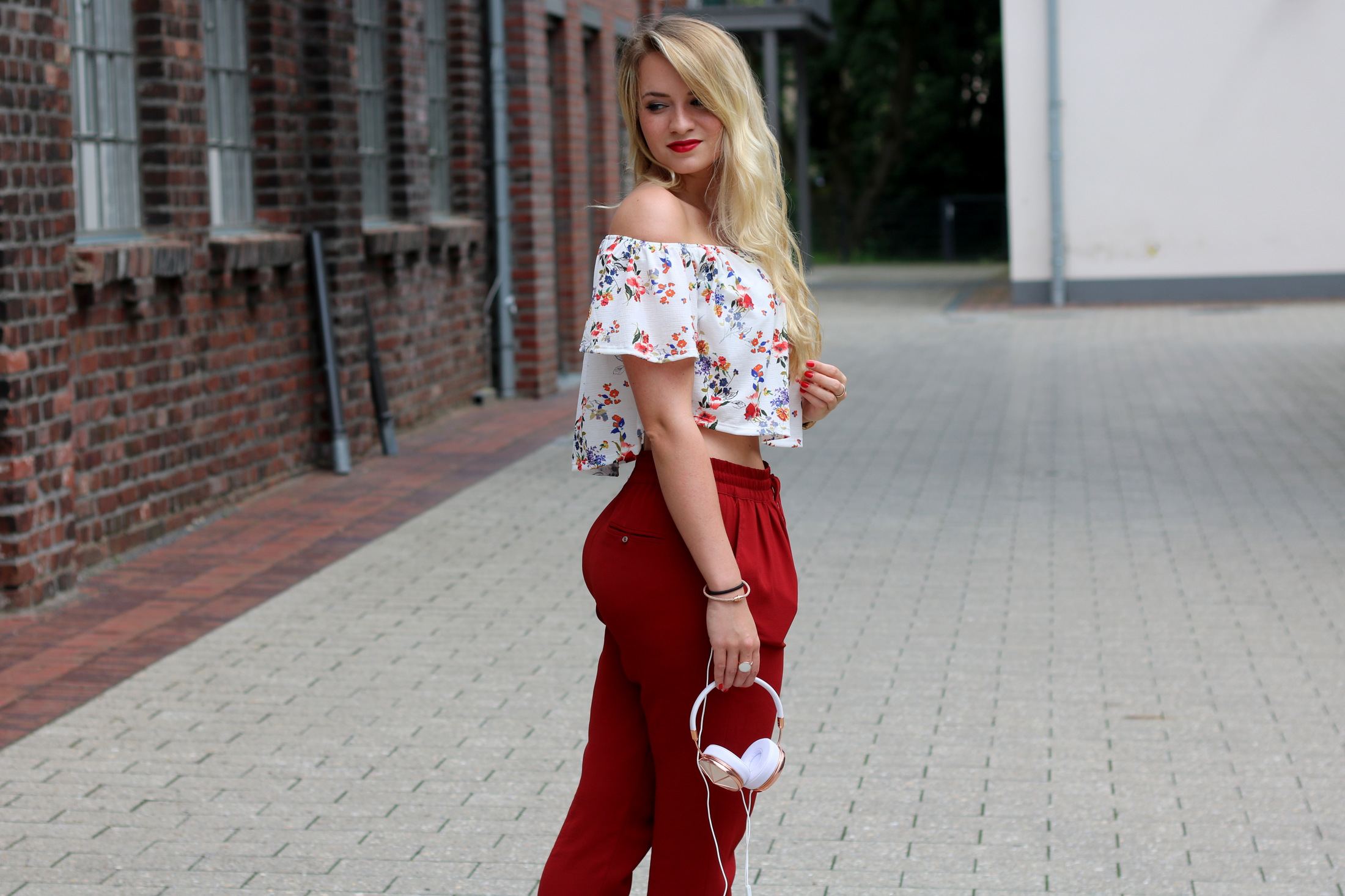 frends-headphones-kopfhörer-audio-musik-music-outfit-summer-early-look-zara-mrsbrightside (5)