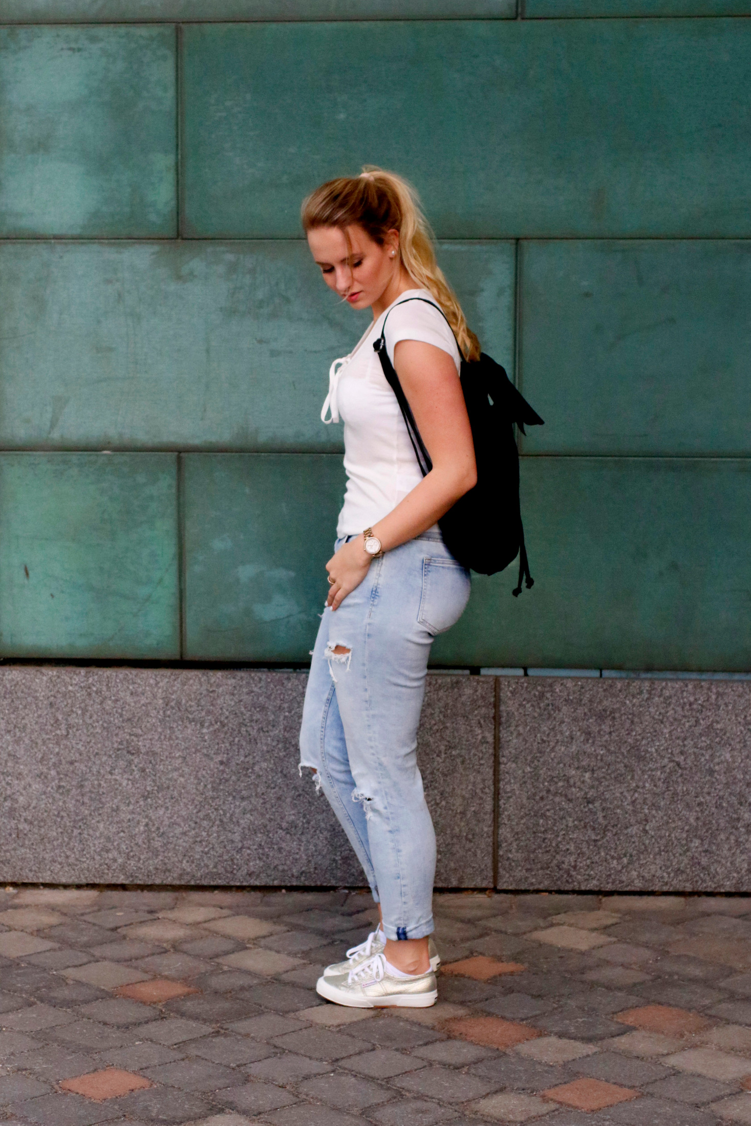 lace-up-shirt-white-girlfriend-jeans-outfit-ootd-blogger-mrsbrightside (3)