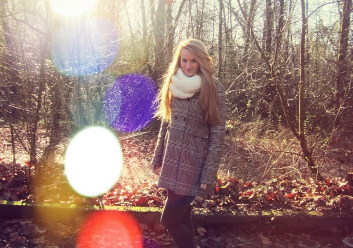 Bokeh Fotografie Herbst Outfit Look Schlauchschal Creme Wolle 5