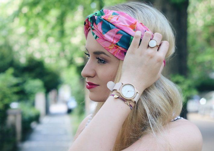 mrsbrightside-rosa-outfit-look-blogger-summerlook-sommeroutfit-body-streifen-stripes-slacks-headband-kopftuch-kerbholz-uhr-blumen-zara
