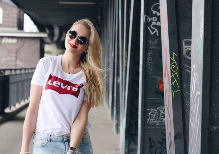 mrsbrightside-rosavivi-blogger-modeblogger-outfit-look-casual-levis-shirt-boyfriend-girlfriend-jeans-fransentasche-fringe-bag-cool-hamburg