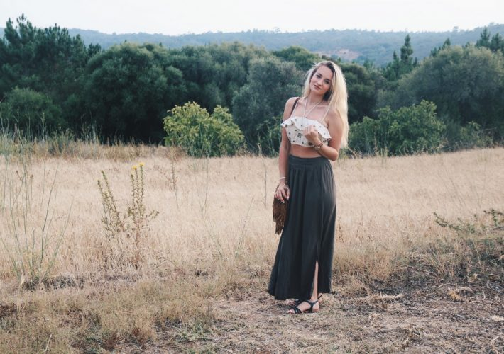 Blogger Mrs.Brightside Rosavivi Grüner Rock Croptop Natur Portugal Algarve Travel Outfit Look Summer Sommer 11