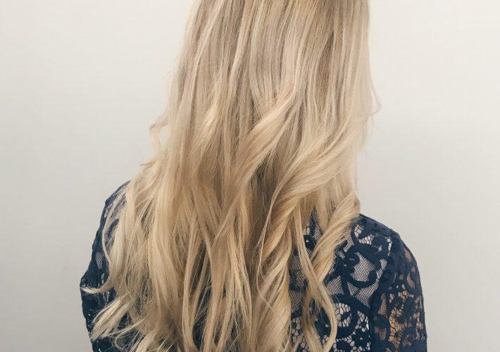 Madeline Salchow Blogger Erfahrungen Balayage Olaplex Blond Friseur Hamburg Mrs. Brightside