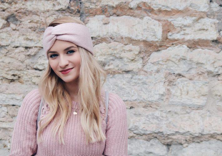 Mrs.Brightside Rosavivi Blogger Hamburg Blog Düsseldorf Modeblog Outfit weißer Mantel Adidas NMD weiß rosa Stirnband Sweater Pullover Schal Herbstoutift 11
